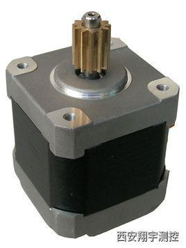 plc控制步进电机是一种将电脉冲转化为角位移的执行机构。一般电动机是连续旋转的,而步进电动机的转动是一步一步进行的。每输入一个脉冲电信号,步进电动机就转动一个角度