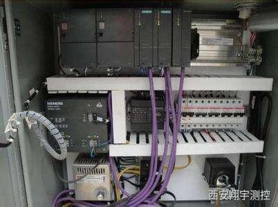 用plc怎么控制变频器输出频率